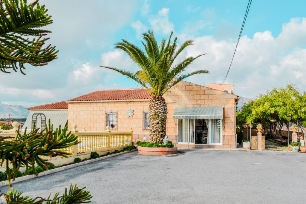 5 bedroom finca for sale in Albatera, Costa Blanca