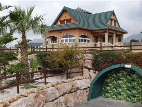 For sale: 16 bedroom finca in Albatera